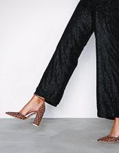 NLY Shoes Leo Sharp Block Sandal