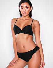NLY Beach Svart Flounced Cheeky Bikini Panty