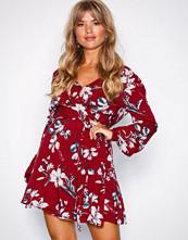 NLY Trend Rød Pretty Wrap Dress
