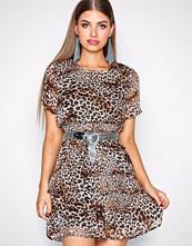 Sisters Point Leopard Nicoline Dress