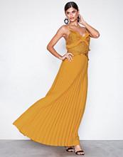 True Decadence Mustard Lace Top Frill Maxi Dress