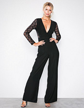 Missguided Lace Sleeves Jumpsuit
