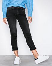 Only Svart onlSUI Reg Slim Ank Dnm Jeans REA44