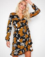 Sisters Point Pumpkin Valsi W Dress