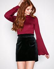 NLY Trend Svart Velvet Waist Skirt