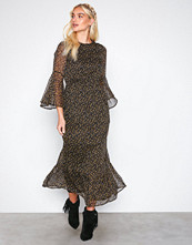 Y.a.s Svart Yaspeque 7/8 Maxi Dress