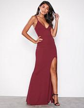 Missguided Burgundy Scuba Maxi Dress