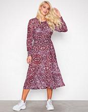 Sisters Point Pink Leopard Ezora Dress