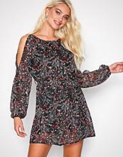 Sisters Point Black Flower Narva Dress
