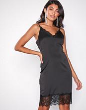 Missguided Black Satin Strappy Cami Dress