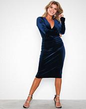 Honor Gold Kay Velvet Midi Dress