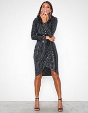 Missguided Black Sequin Wrap Front Midi Dress