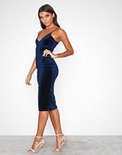 Missguided Navy Velvet Strappy Midi Dress