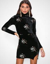 Missguided Black Embroidered Velvet High Neck Mini Dress