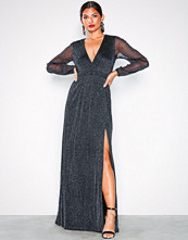 NLY Eve Svart Shimmery Maxi Gown