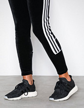 Adidas Originals Svart Swift Run W