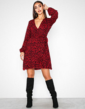 Sisters Point Red Leopard New Gerdo Dress