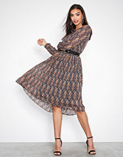 Neo Noir Paisley Addison Printed Dress