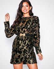 NLY Trend Svart Draped Belted Dress