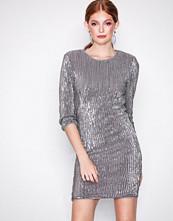 NLY Trend Sølv Sequin Power Dress
