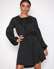 Jacqueline de Yong Jdygry L/S Dress Wvn Svart