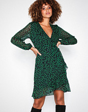 Sisters Point Navy/Floral Gerdo Dress