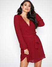 Glamorous Red V-Neck Long Sleeve Dress