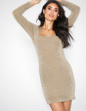 NLY Trend Champagne Glam Square Neck Dress