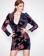 NLY Trend Blåmønstret Divine Burnout Dress