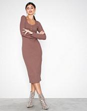 NLY Trend Rosa Rib Button Midi Dress