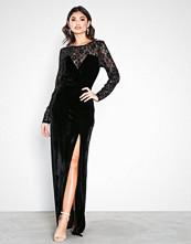 NLY Eve Svart Lace Insert Velvet Gown