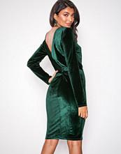NLY Eve Grønn Twist Back Midi Dress