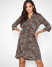 Sisters Point Leopard Naxi Dress