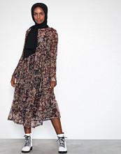 Sisters Point Vesta Dress