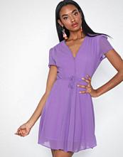 Glamorous Short Sleeve Flounce Dress