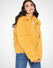 NLY Trend Short Teddy Jacket
