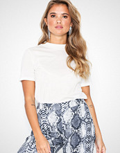 NLY Trend High Neck Tee