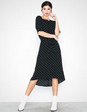 Jacqueline de Yong Jdyhero 2/4 Midi Dress Wvn Svart