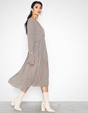 Neo Noir Addie Printed Dress