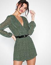 Glamorous Long Sleeve Dot Dress