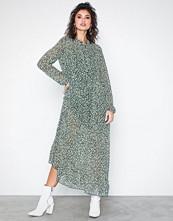 Only onlLUCIA Ditzy Long L/S Dress Wvn