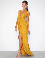 NLY Eve Forever Lace Gown Gul