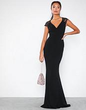 NLY Eve Cap Sleeve Crochet Mermaid Gown