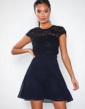 NLY Eve Rose Lace Skater Dress