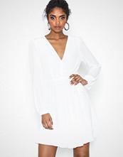Glamorous Long Sleeve Flounce Dress White
