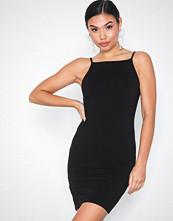 NLY Trend Straight Neckline Dress