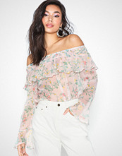 NLY Trend Chiffon Off Shoulder Blouse