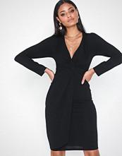 TFNC Tessa Dress