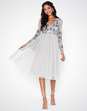 Maya Fluted Sleeve Midi Dress