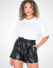 NLY Trend Dressed PU Shorts